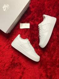 Air Force 1 low Triple white