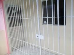 Título do anúncio: Alugo uma casa no 1º andar-Centro de Cruz de Rebouças (Excelente localização)!