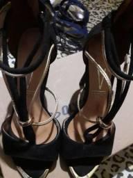 Vendo esse lindo sapato n 35 ligar 991365036