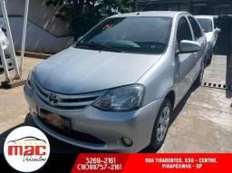 Etios 1.5 X Sedan 2014 - 2014