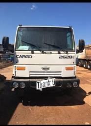 Caminhão 2628 6x4 munck madal - 2009