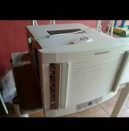 Electrolux 10000 btus Digital Com controle Entrego