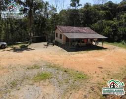 Chácara com casa de alvenaria, córrego d'agua, pastagem, mata nativa e bom acesso