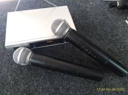 Par de microfones sem fio VHF