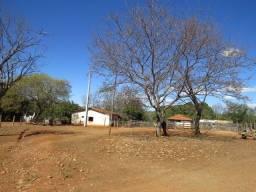 Fazenda em Corinto com área de 100 há, sede boa, curral, 70% formada