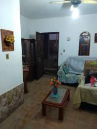 Cód. 016 - Casa com 03 quartos, sendo 02 suítes, varanda, jardim e garagem em Iguaba