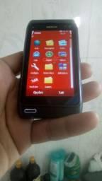 Nokia n8 zero tem caixa e fone e o carregado tudo original