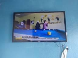 Título do anúncio: Vendo tv smart