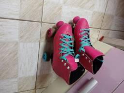 Título do anúncio: Par de patins