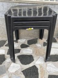Título do anúncio: Venha já comprar mesa nova de plástica cor preta no atacado