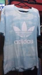 Título do anúncio: Camisa da adidas nova !!