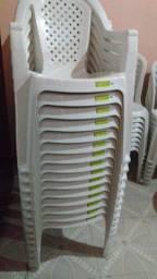Cadeiras de plásticos