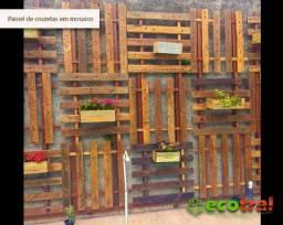 Painel rústico em madeira cruzeta