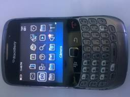 Smartphone Blackberry Curve 8520 Preto c/ Câmera 2MP, MP3, Bluetooth, Wi-Fi