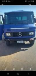 Vendo caminhão Mercedes Benz