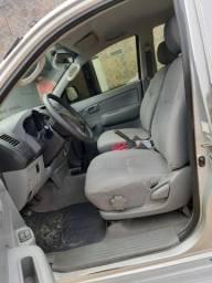 Vede se Toyota HILUX2010 - 2010