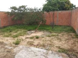 Casa murada muito com preço abaixo do mercado pra vender logo em Araguaína
