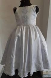 Vestido Daminha tamanho 3 R$ 110,00 (aceito cartão