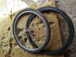Troco pneus 26 por comando ou vendo de 40 reais
