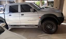Vendo ou troco Mitsubishi l200 ou troco maior valor