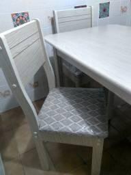 Mesa linda! nova 4 cadeiras. Ler descrição