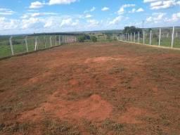 Faço serviço de jardinagem e limpezas de terrenos com ótimo preço