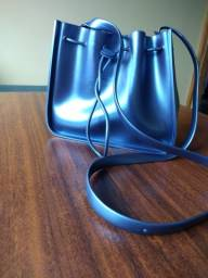 Bolsa Petit Jolie saco azul metálico