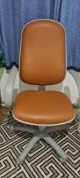Título do anúncio: Vendo cadeira presidente