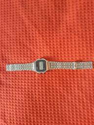 Vendo Relógio estilo CASIO VINTAGE A159W Para conserto.