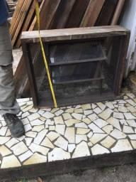 Basculante pra banheiro   de ferro com  vidros