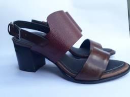 Sandália couro salto bloco 4cm total confot tam. 34 ao 39