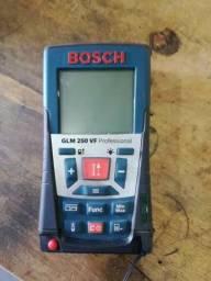 Título do anúncio: Medidor De Distancia A Laser Glm 250 Vf Bosch profesional usado