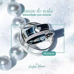 Aliança prata frisos diamantado e coração vazado