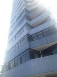 Amplo apartamento Itaigara 129 m², 3 quartos, 2 suítes, dependência 2 vagas
