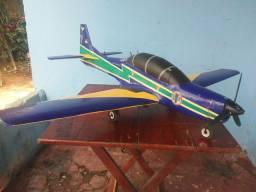 Aero modelo tucano
