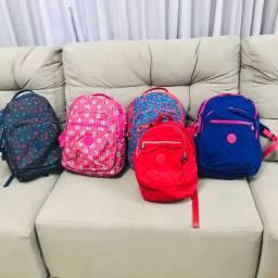 Vendo bolsas e mochilas da kipling de várias coleções