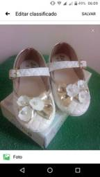 Vendo sapatilha infantil branca usada apenas 1 vez semi nova .numeracao 22