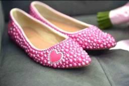 Título do anúncio: Sapatilha toda de pérolas rosa