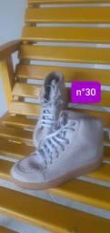 Calçados excelente conservação, vale muito à pena!