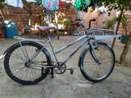 Vendo bicicleta de carga usada. interessados chamar no whatsapp *