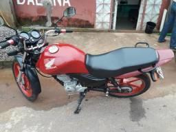 Vende uma moto titam 125 a pedal 2010 - 2010