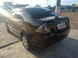 Fiesta sedan carro top - 2011