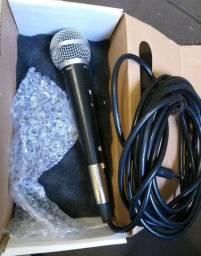 Vendo microfone novo 100 reais  pra hoje...