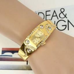 Relógio pulseira dourado luxo