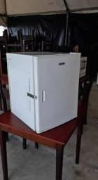 Geladeira Elber GC70 Branca 12v Usada