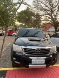 Vendo Hilux SRV - 2012