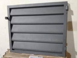 Porta de ferro nova (Bebedouro/SP)
