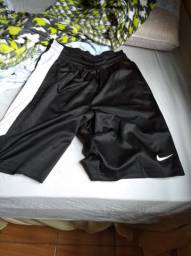 Shorts Nike layup tamanho M