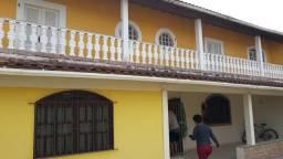 Alugo exelente casa tipo sobrado no bairro da estação