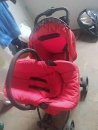 Vendo Carrinho de Bebê mais Bebê Conforto Bem Conservado